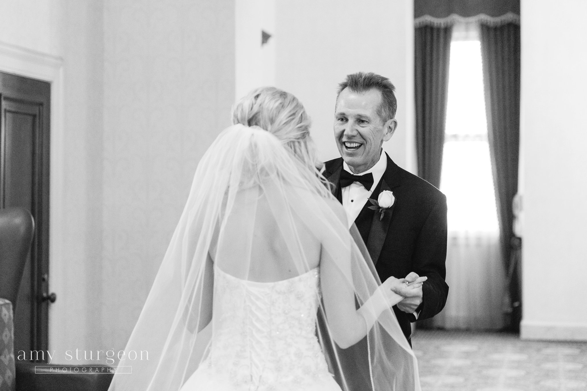Chateau Laurier Wedding_Ottawa wedding photographer_036