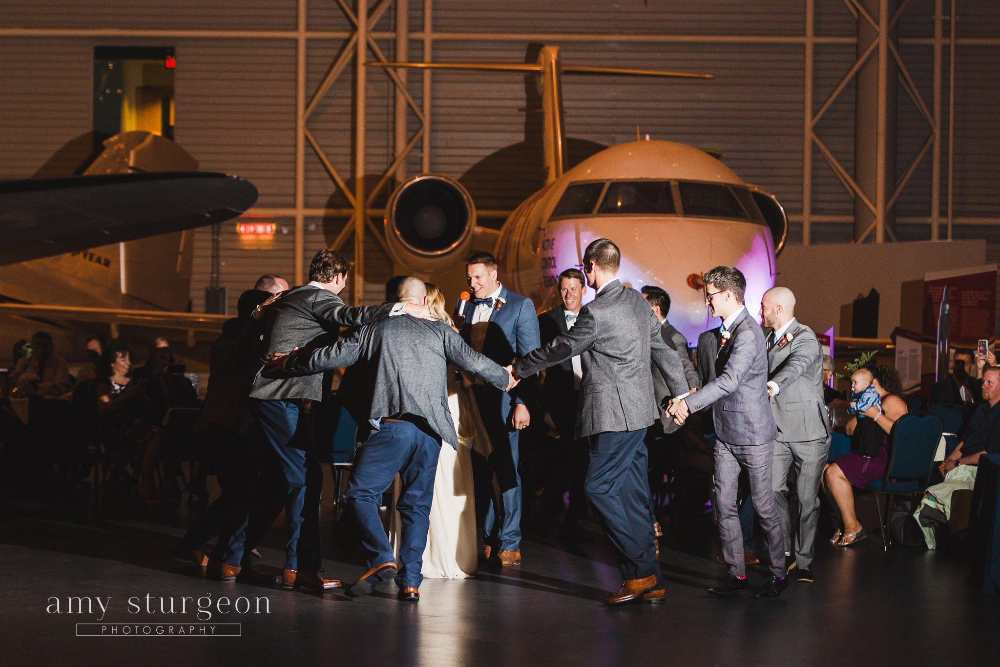 amy-sturgeon-photography_canadian-aviation-museum-wedding_0084