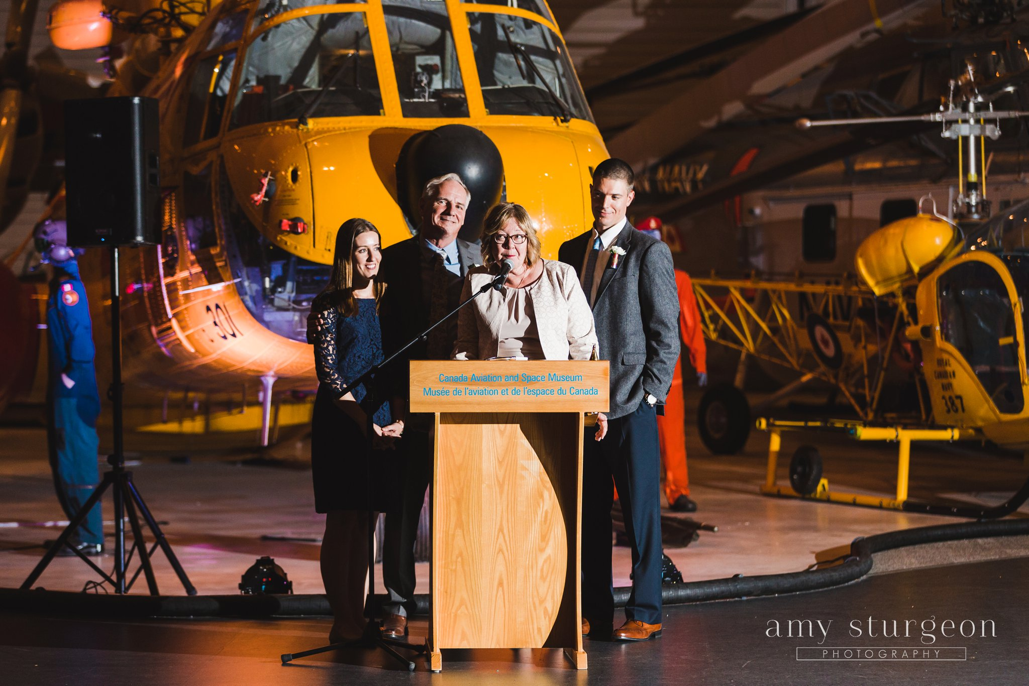 amy-sturgeon-photography_canadian-aviation-museum-wedding_0094