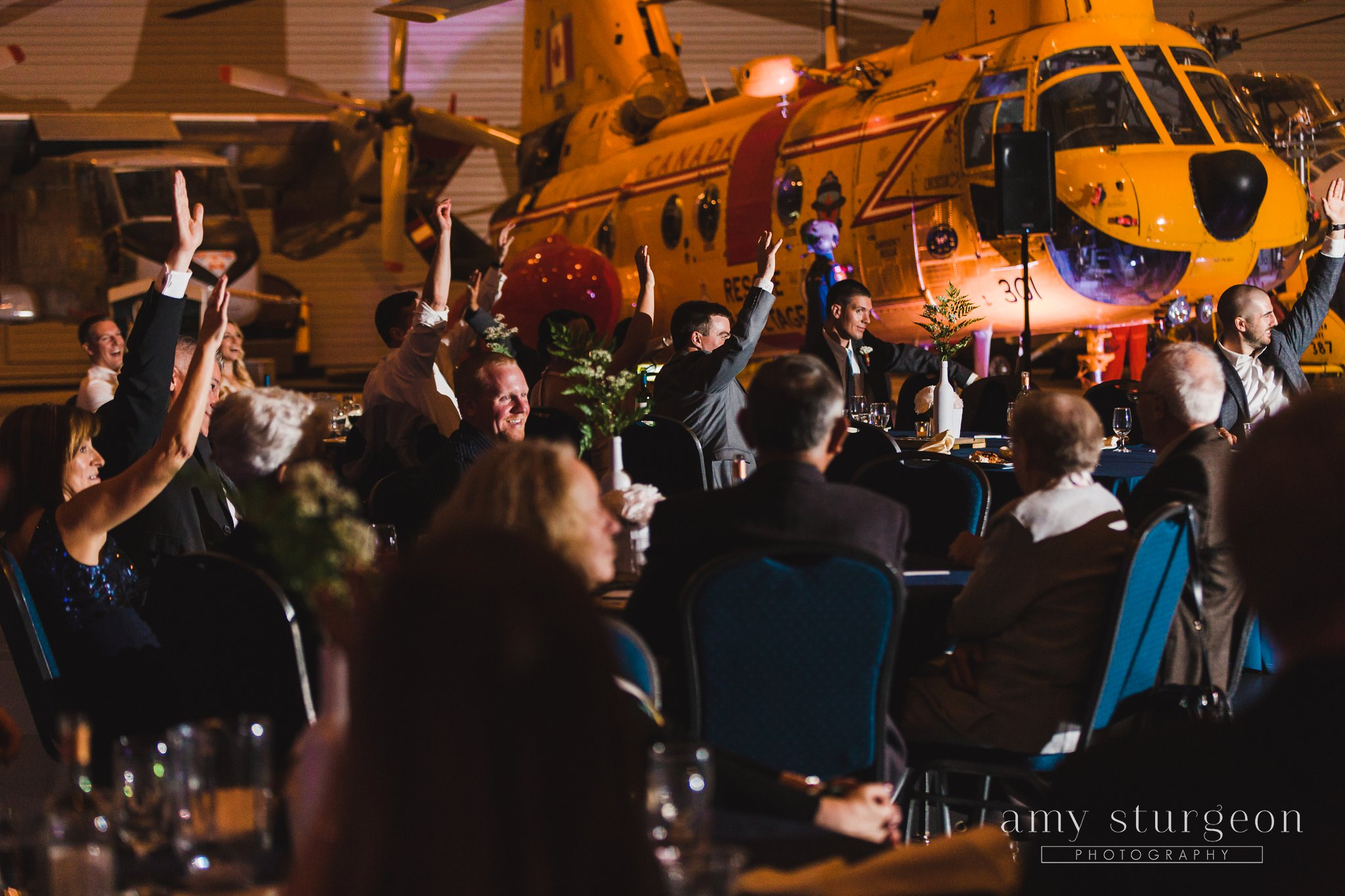 amy-sturgeon-photography_canadian-aviation-museum-wedding_0095