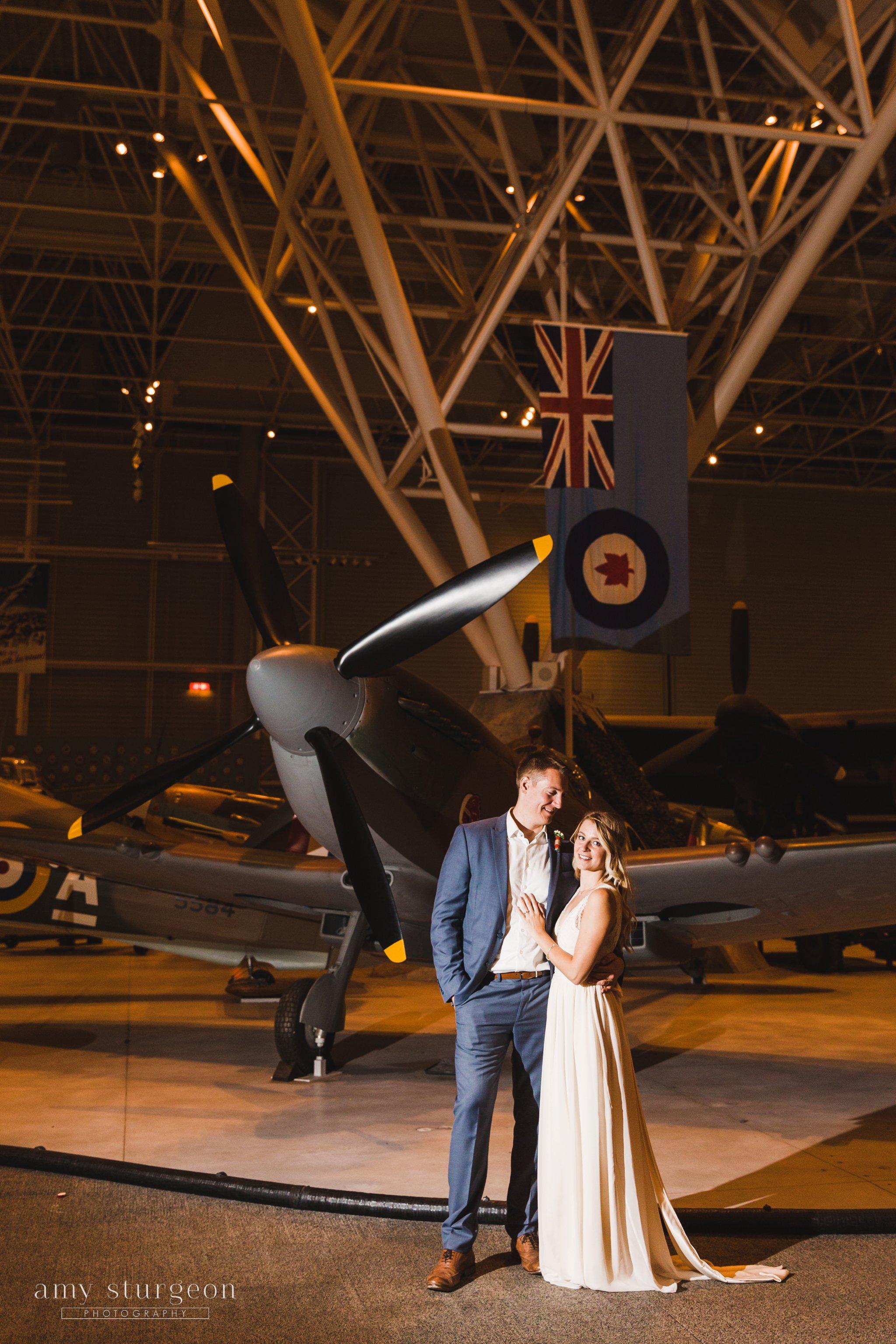amy-sturgeon-photography_canadian-aviation-museum-wedding_0102