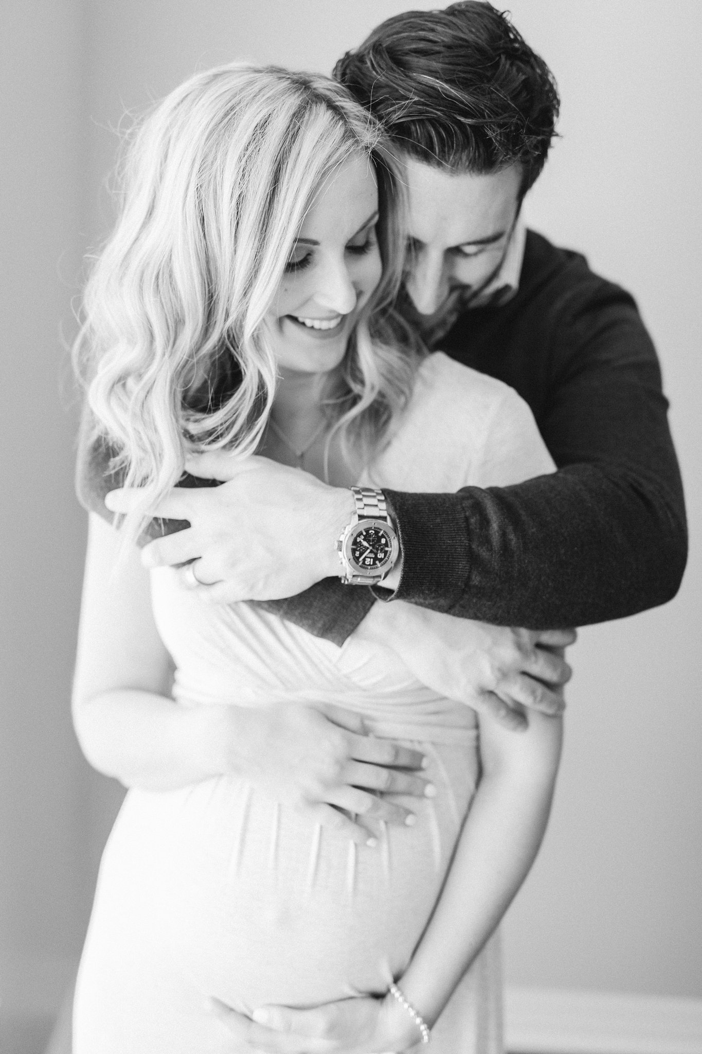 Most adorable lifestyle maternity photo pose with husband