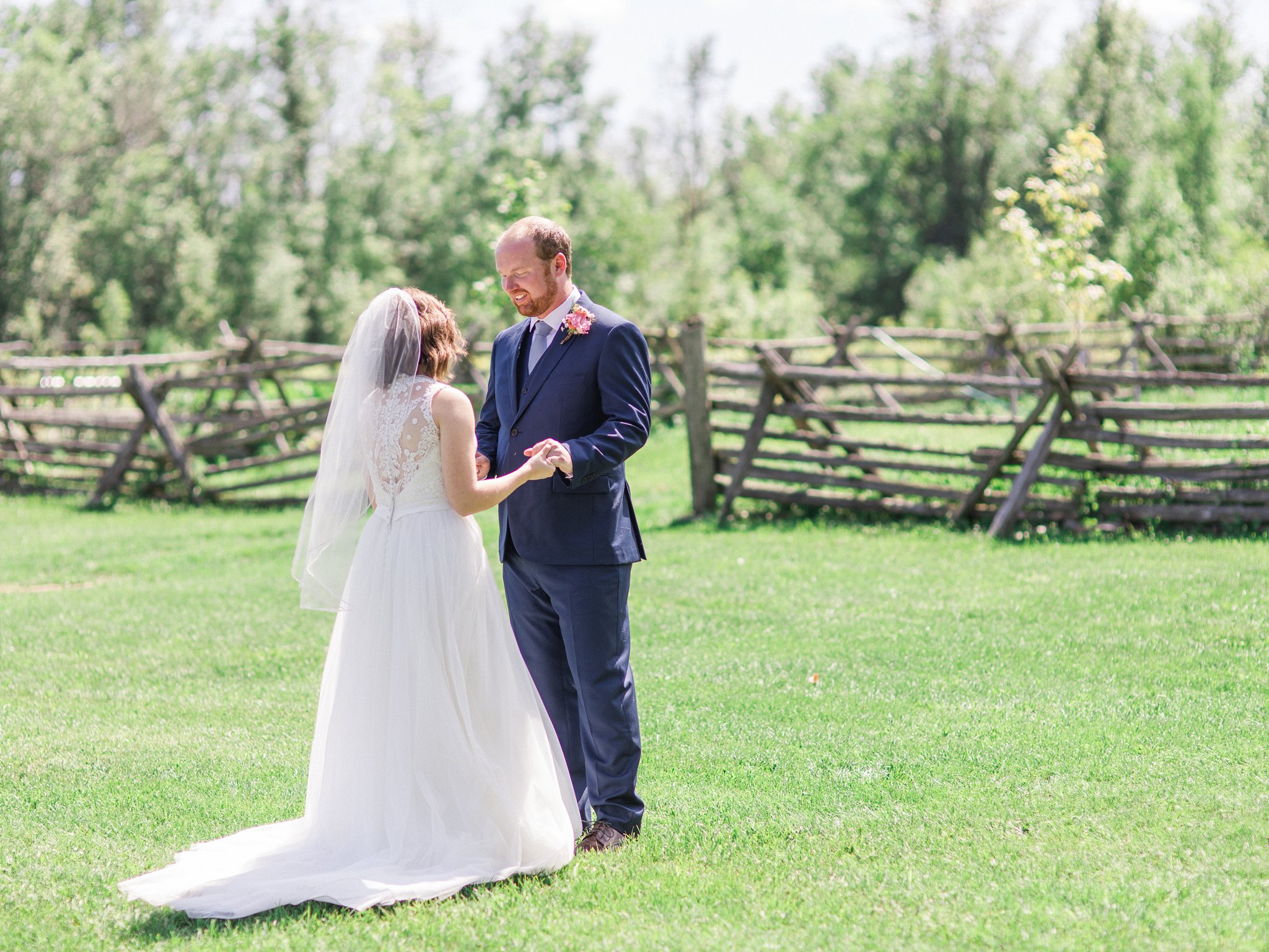 First look Dog-friendly wedding venue Ottawa Stonefields Amy Pinder Photography