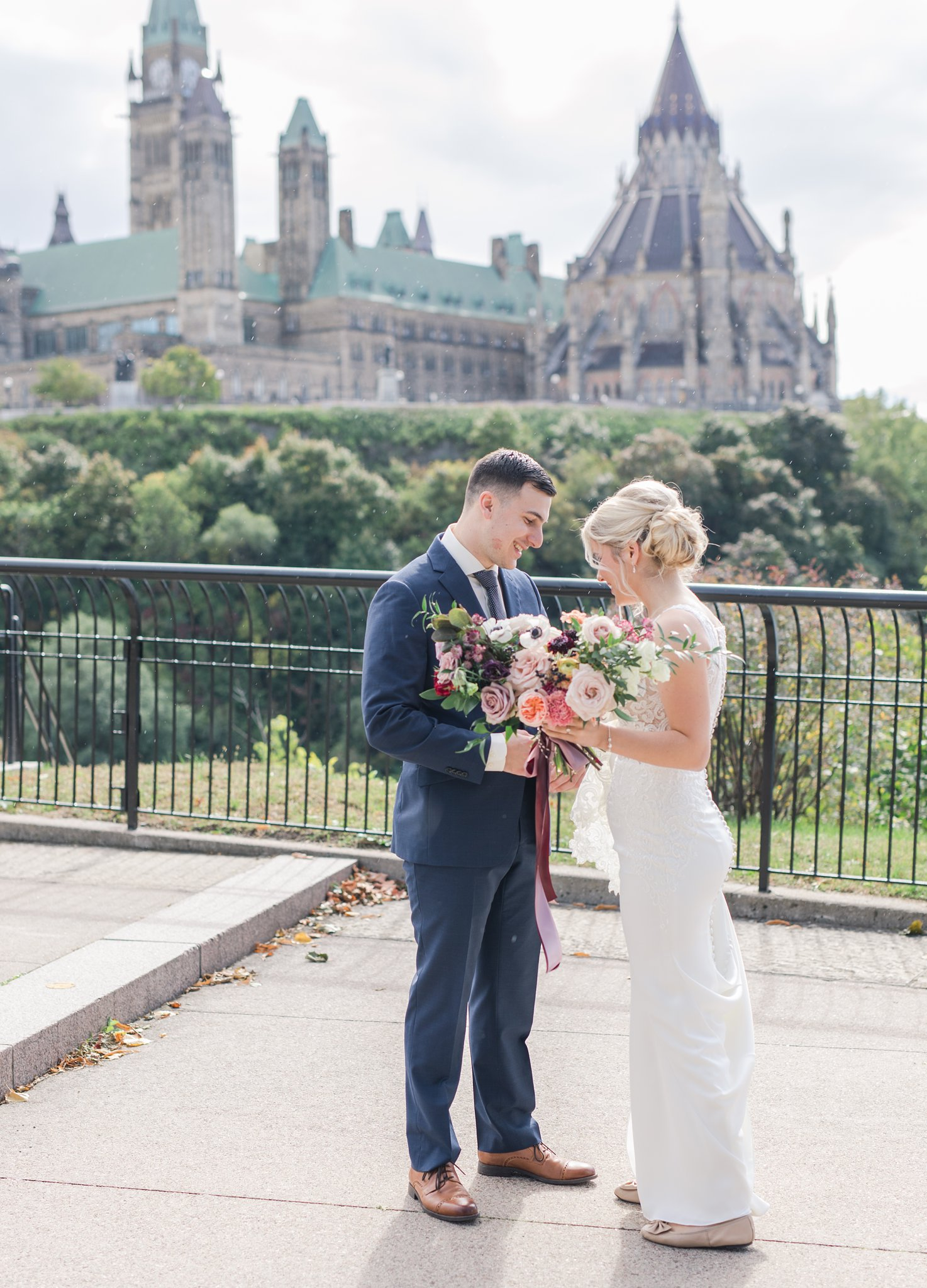 First look Major's Hill Park Ottawa restaurant wedding at Sidedoor Restaurant