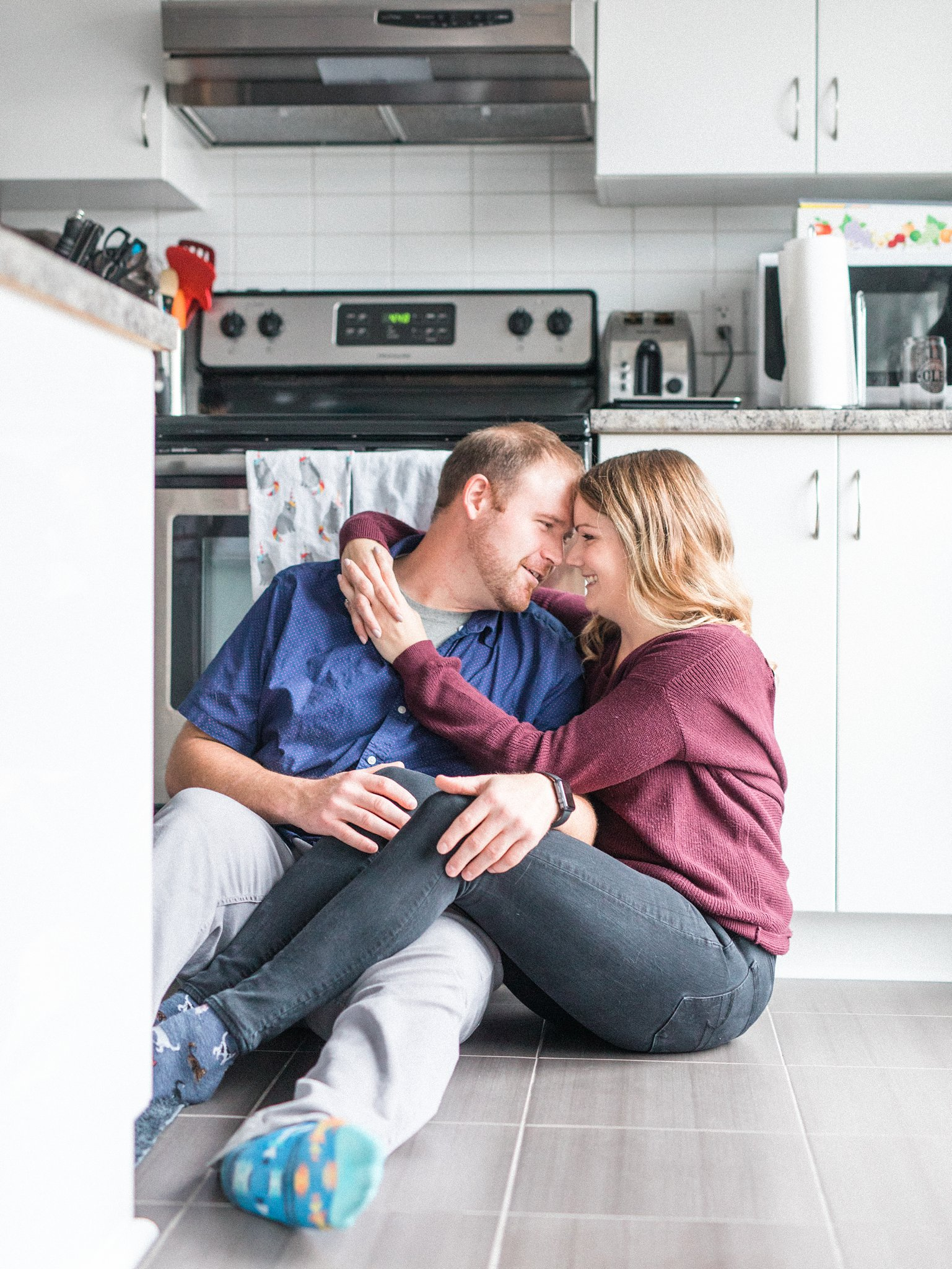 Sitting in the kitchen, Hogs Back Ottawa engagement photos