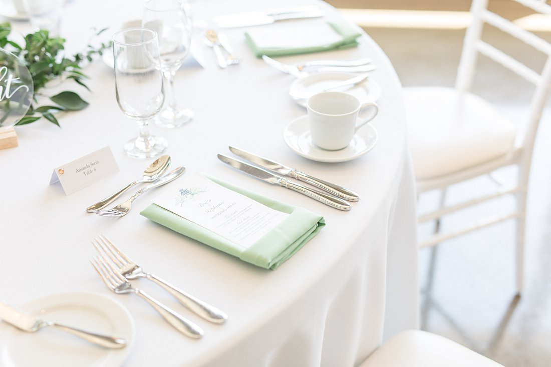 white linen, green napkin, cutlery, reception, A Sage Green Summer Wedding at Le Belvedere