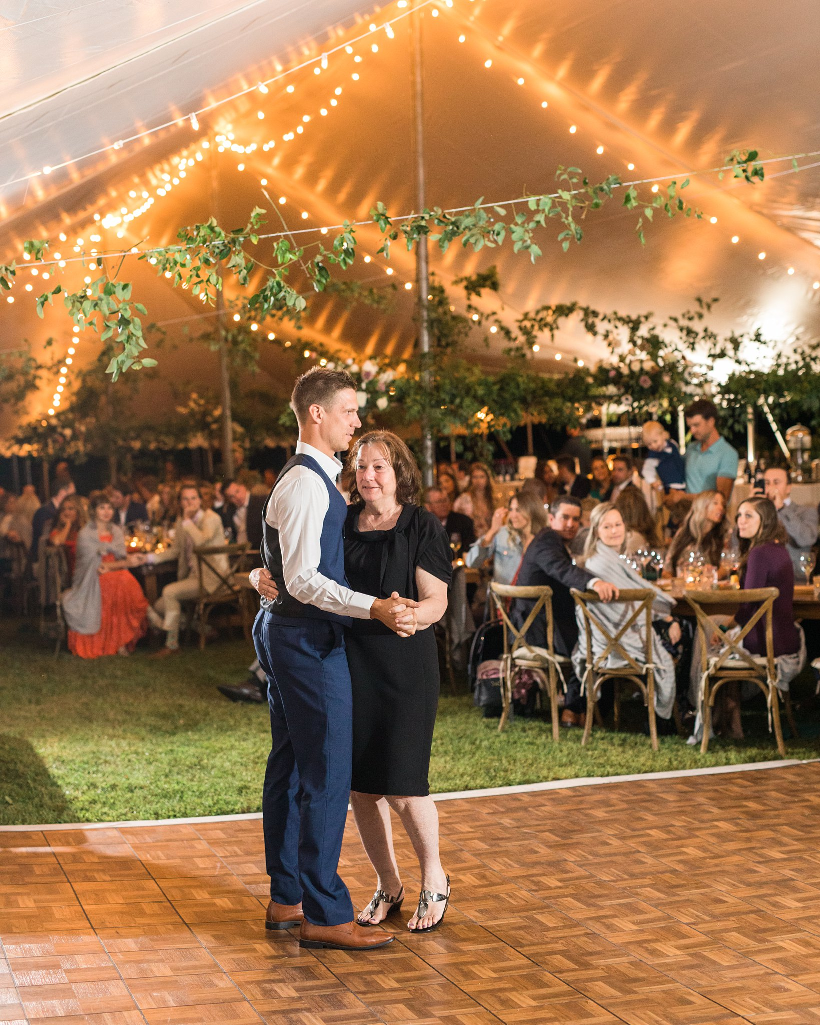 First dance, Alzheimer's society of Canada, Private Estate Wedding Photos, Amy Pinder Photography