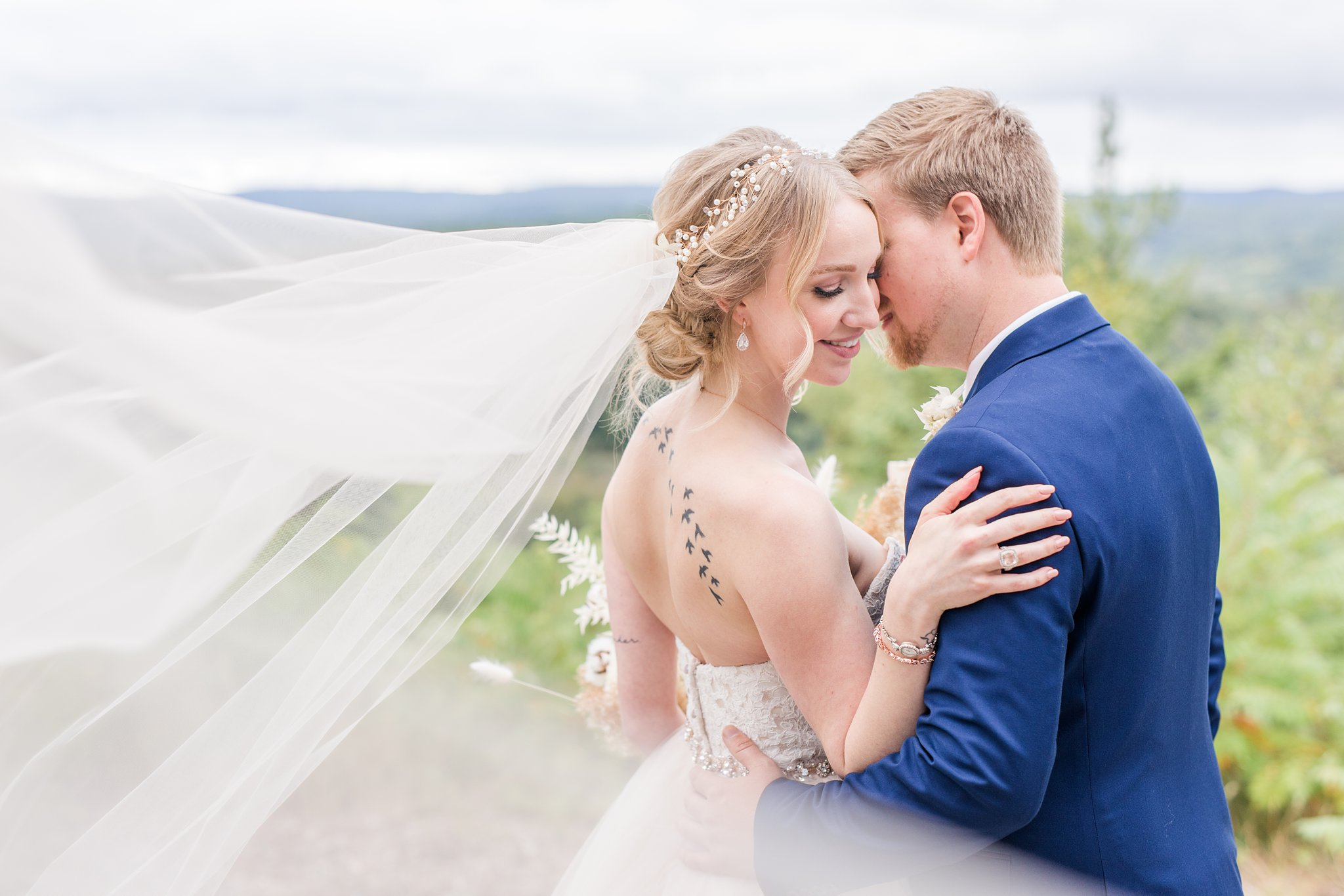 Cathedral veil, Wakefield wedding photos, Le Belvedere