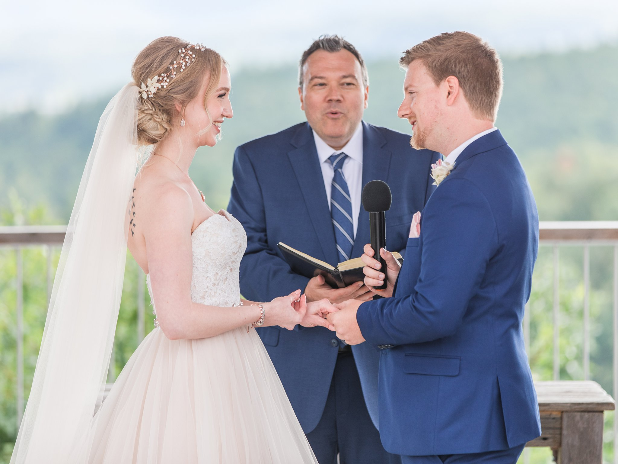 Exchanging of rings, Wakefield wedding photos, Le Belvedere