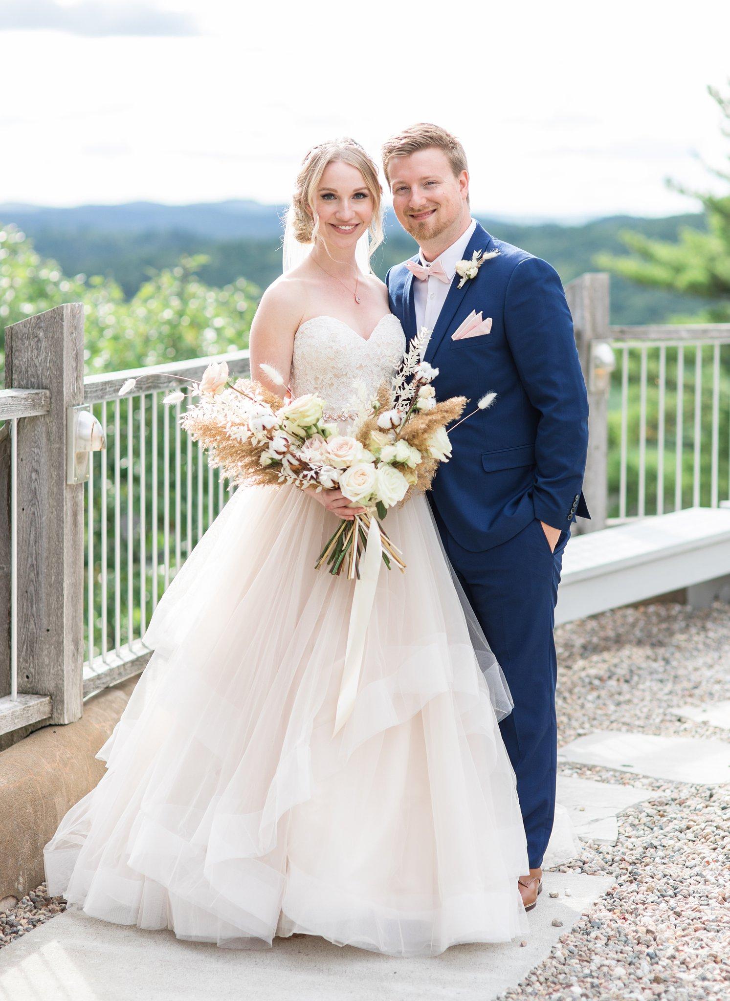 Bride and groom, Wakefield wedding photos, Le Belvedere