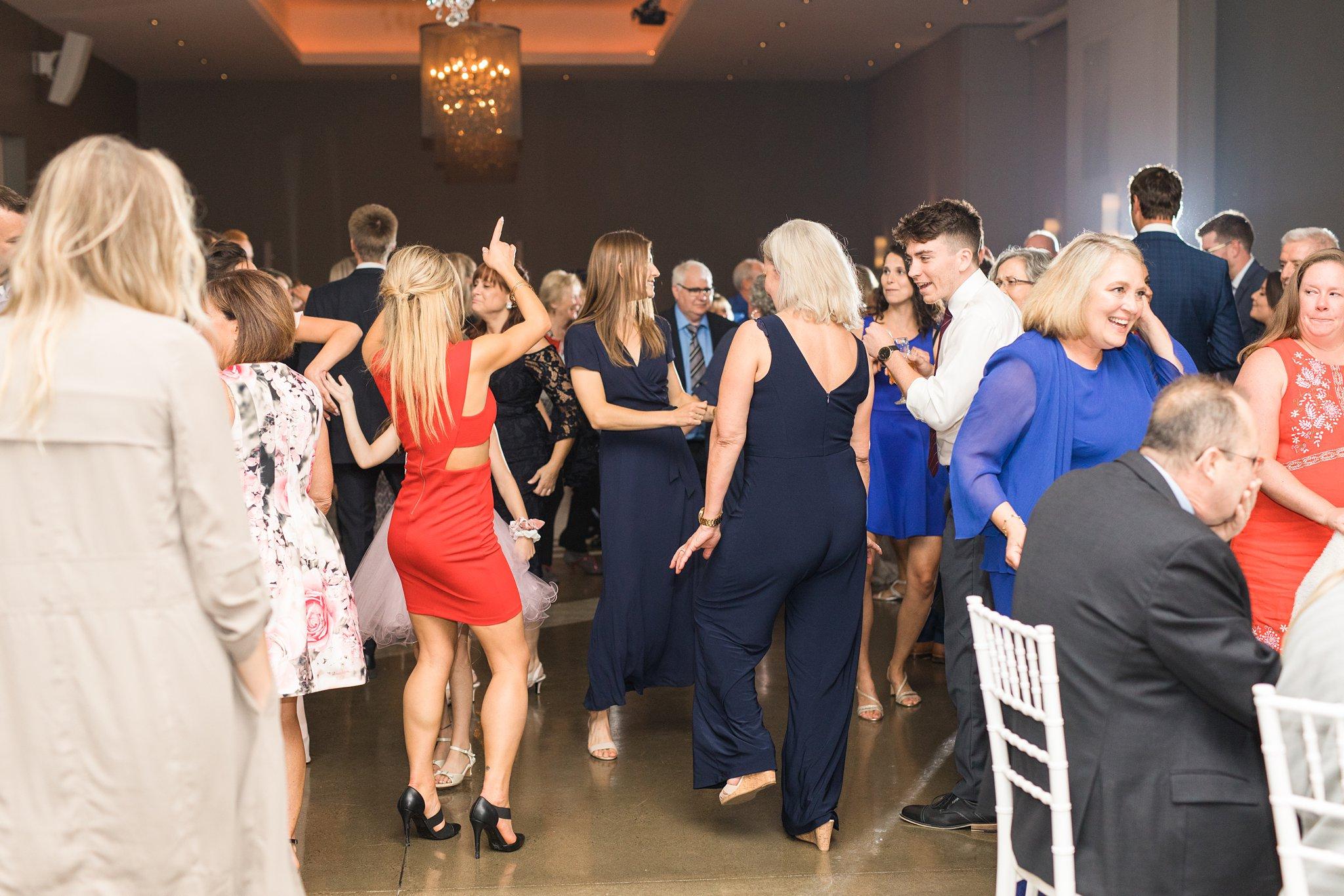Party dancing, Wakefield wedding photos, Le Belvedere