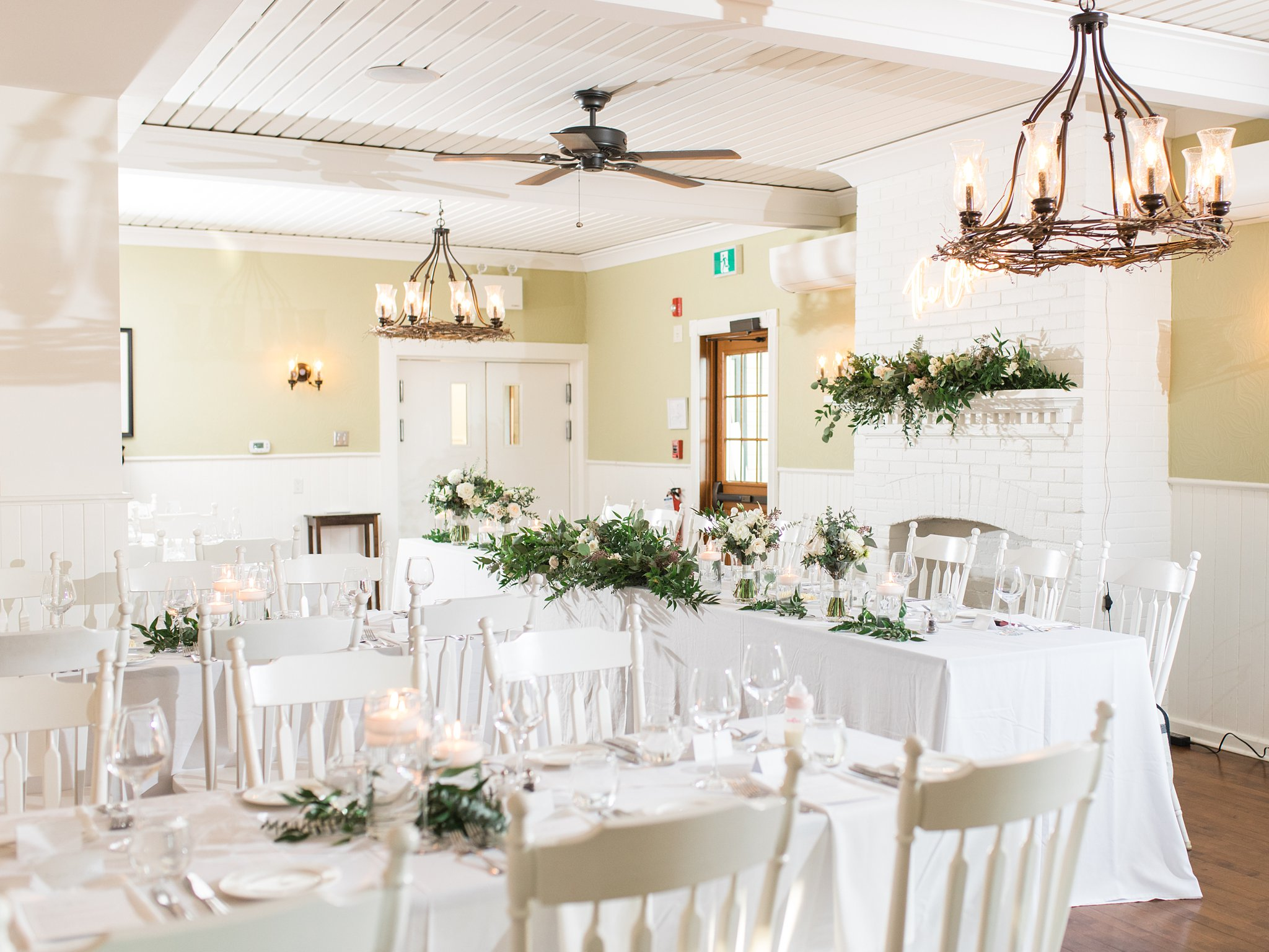 Dining room at the Opinicon Wedding by Amy Pinder Photography
